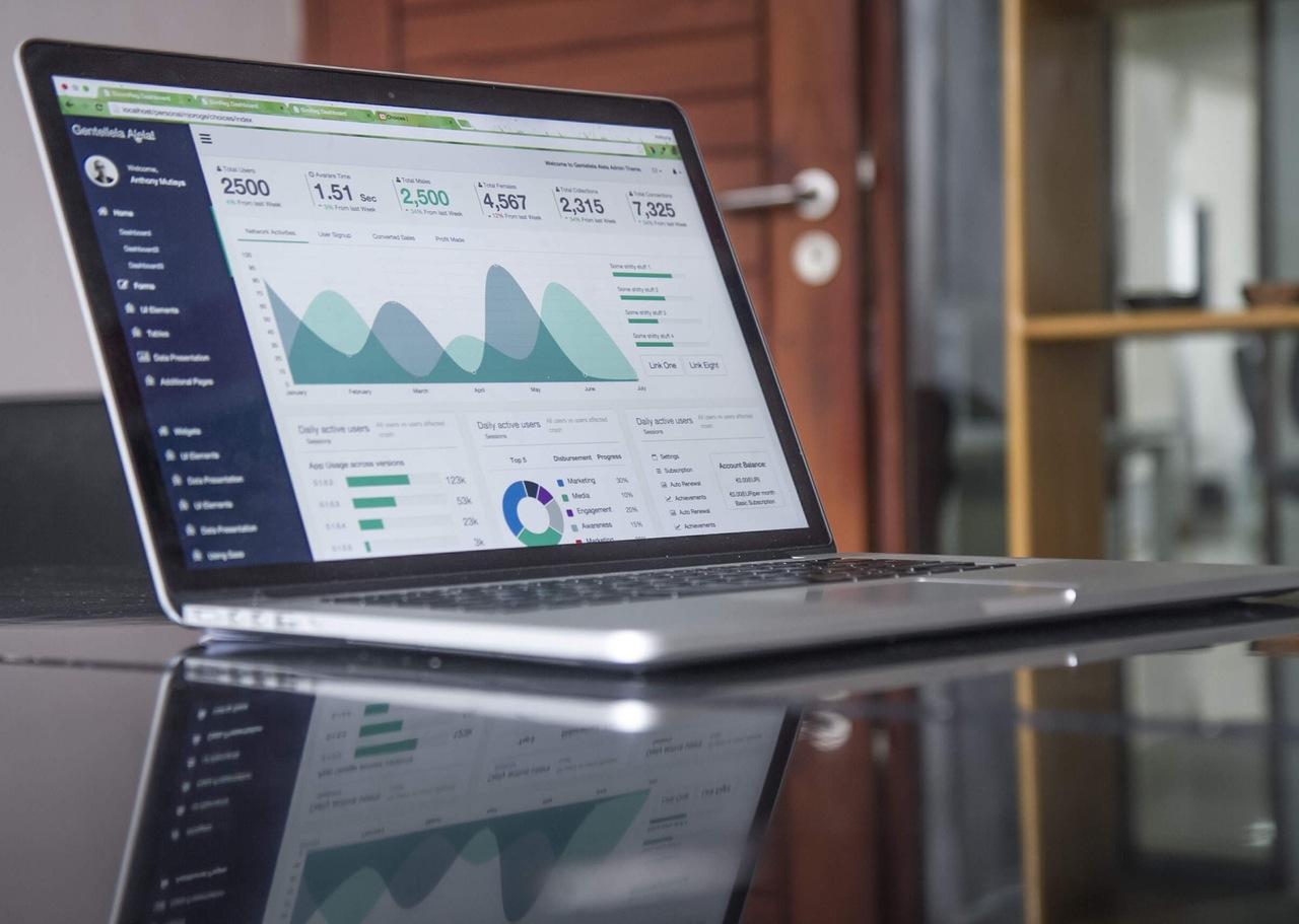 Apogaeis-Technologies-Big-Data-Analytics-for-Small-Business